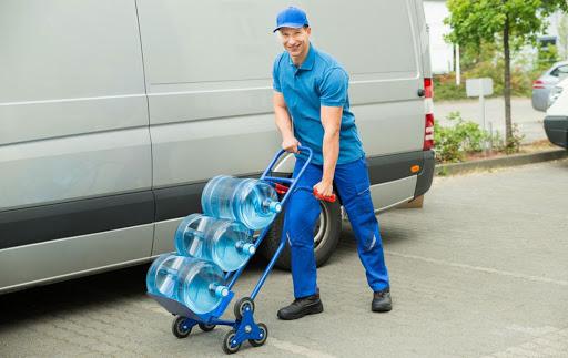 Преимущества доставки воды в дом