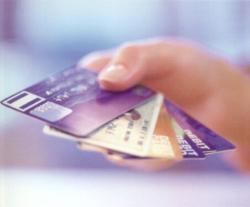 Российские предприниматели отказались от чековых книжек, предпочтя им корпоративные банковские карты