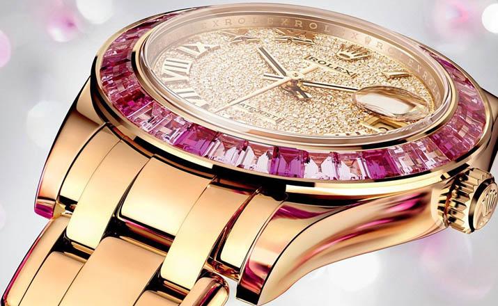 Многообразие женских наручных часов