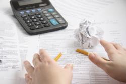 Штатный бухгалтер или бухгалтерское сопровождение аудиторской фирмой: кому довериться?
